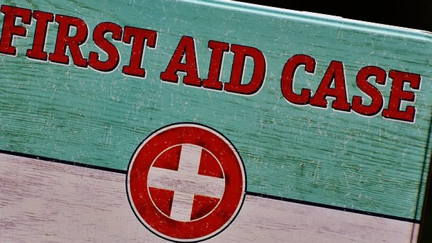 Travel Advice - A first aid kit for travelers