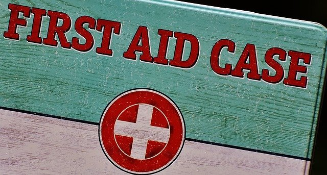 Travel Advice -A first aid kit for travelers