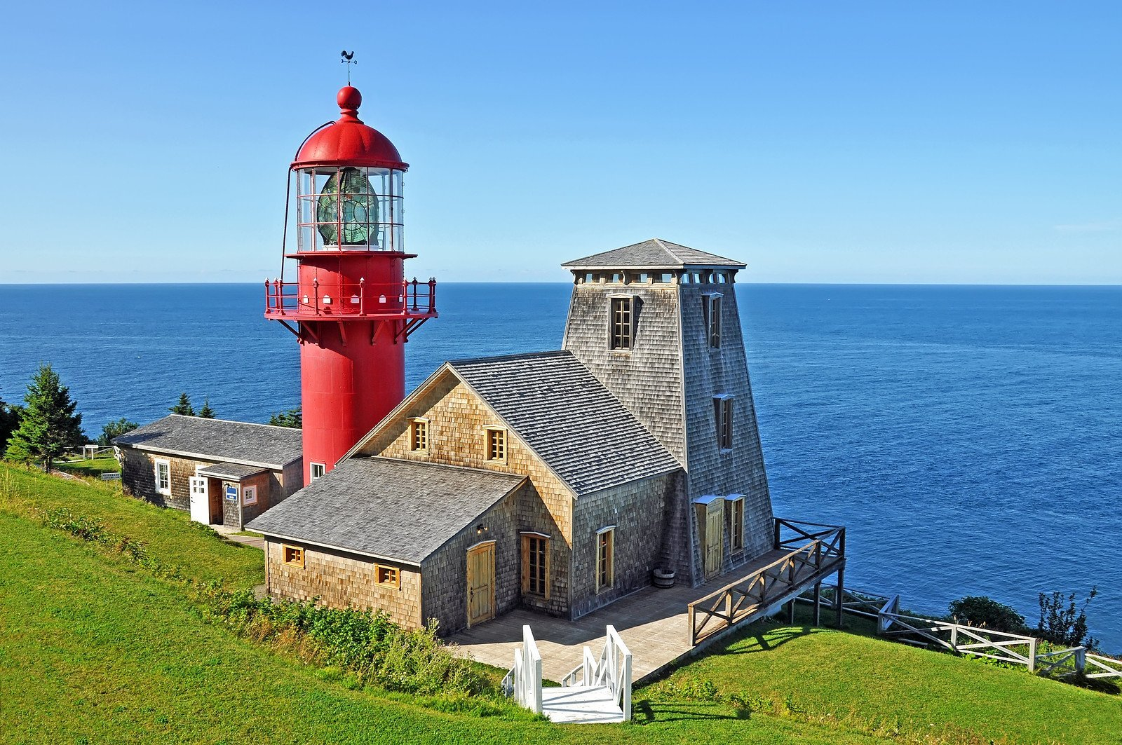 Explore Québec by the sea: Beautiful by nature