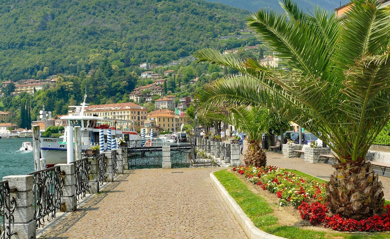 Italy's Lake Country (The Italian Lakes)